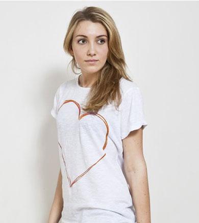 Le t-shirt juste un coeur