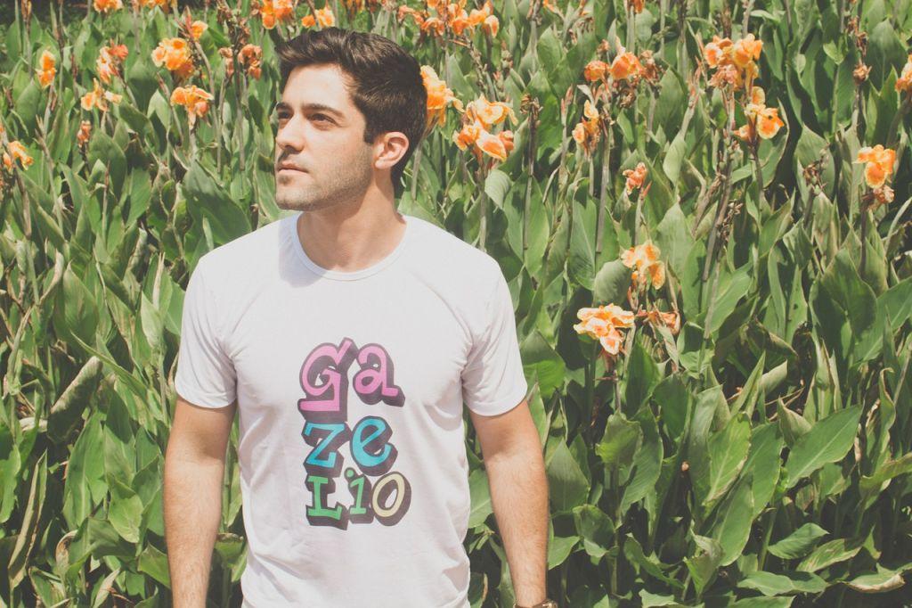 t-shirt personnalisable fleur